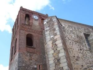 Torre de estilo múdejar de la iglesia