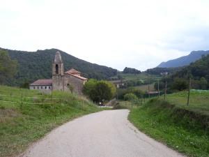 Vista de Sant Miquel de Sacot, Parque Natural de La Garrotxa