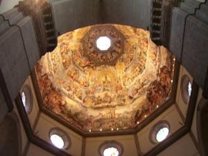 Impresionantes frescos de Vasari y Zuccari en la cúpula del Duomo
