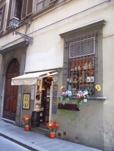 Entrada a una tienda de productos toscanos