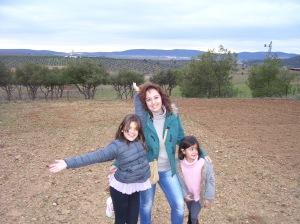 Yo con mis primas, Paula y Teresa...