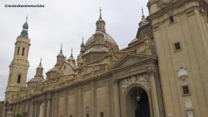 Vista diurna de la Basílica del Pilar