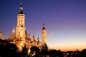 Perspectiva nocturna de la capital aragonesa
