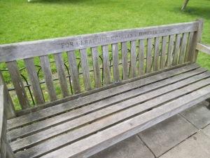 Bancos para sentir y soñar en Hyde Park
