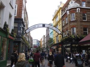 Entrando en la preciosa Carnaby Street (09.05.2014)