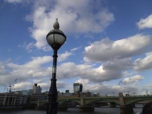 Divisando el cielo londinense (09.05.2014)