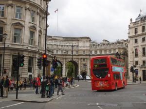 Autobuses que se alejan... Pero en los que volveré a subir...