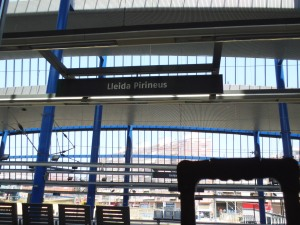 En la estación de tren de Lérida haciendo tiempo para coger el bus (15.07.2014)