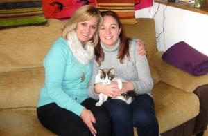 Con mi madre y Lola celebrando el día de Reyes este año